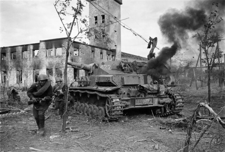 Сталинградская битва: оборонительный этап